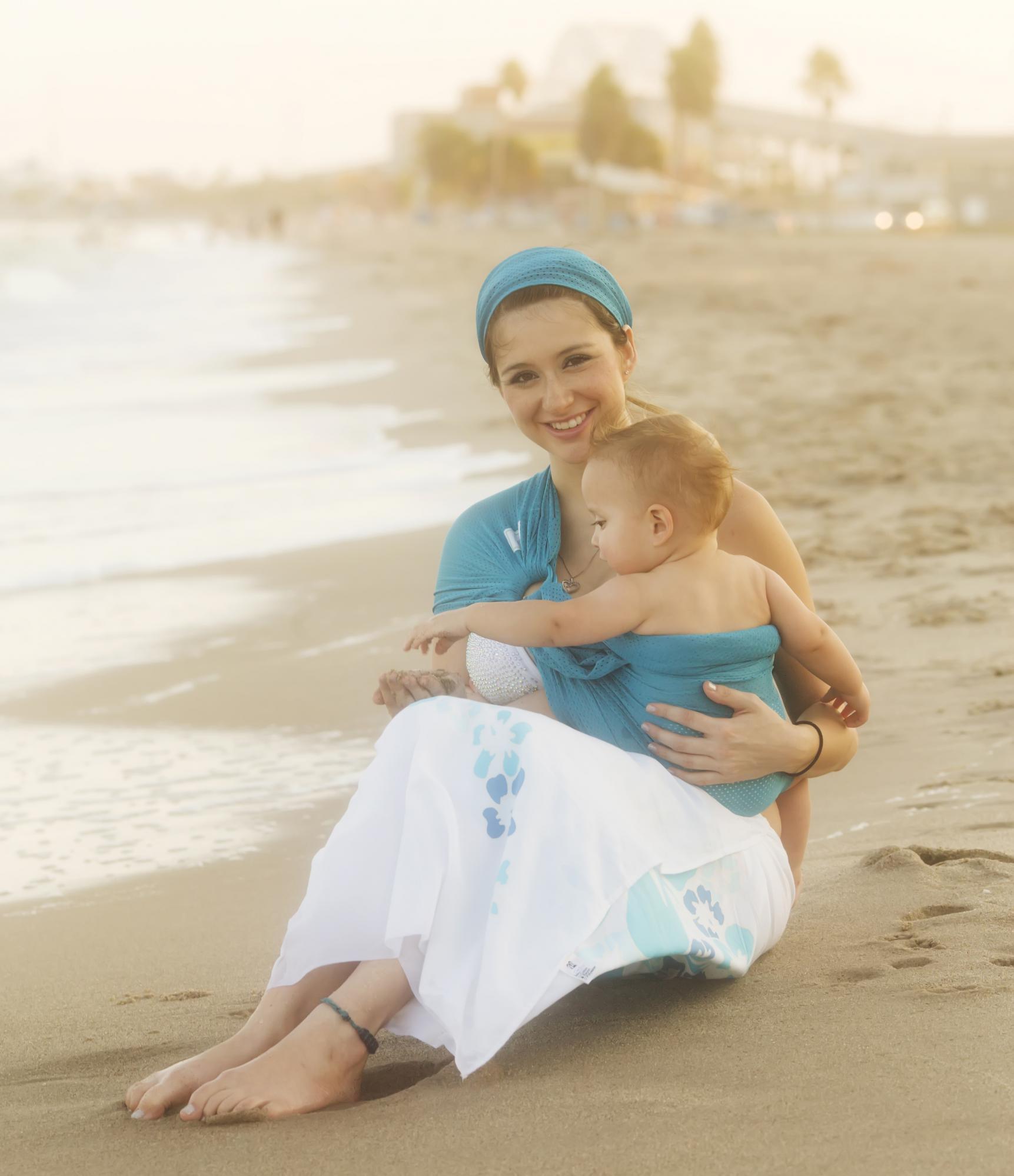 beachfront-baby-water-sling-caribbean-blue-3.jpg