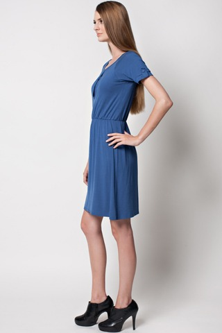 dote-jesse-nursing-dress-side.jpg