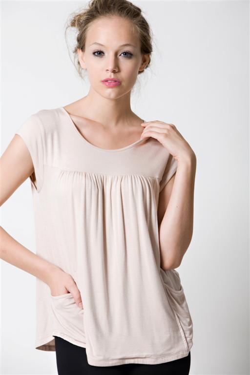 dote-lindsay-pocket-nursing-top-3.jpg