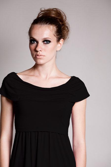 dote-sophia-nursing-dress-black-close.jpg