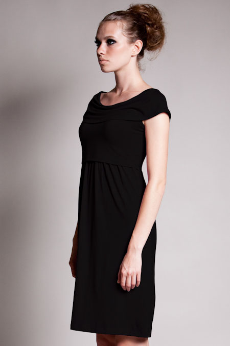 dote-sophia-nursing-dress-black-side.jpg
