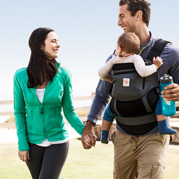 ergo-baby-carrier-performance-charcoal-2-dad