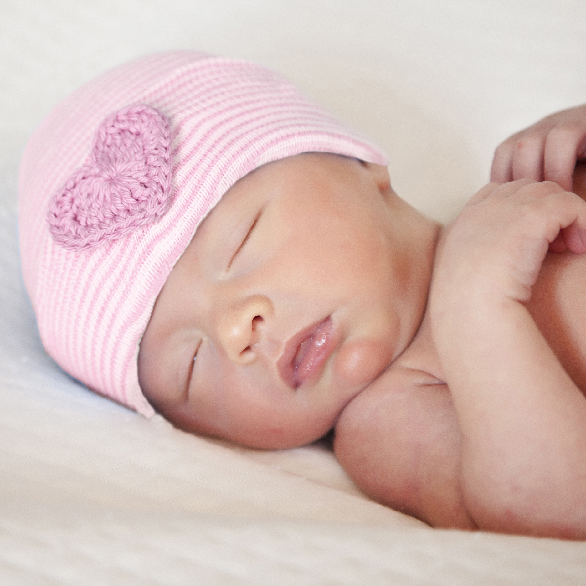 ilybean-newborn-hat-pink-crocheted-heart.jpg