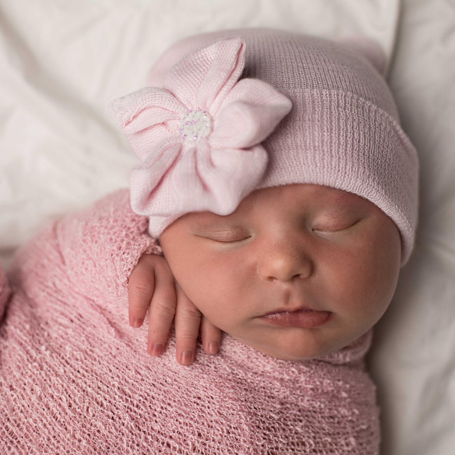 ilybean-newborn-hat-pink-sparkle-flower.jpg