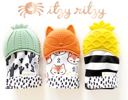 itzy-ritzy-teething-mitt-set-3