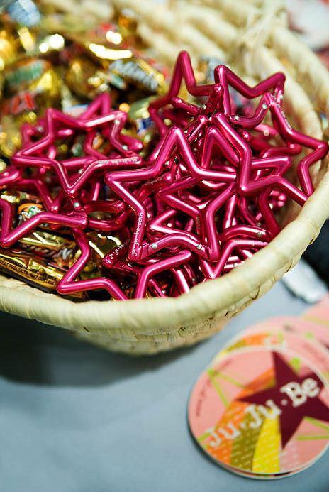 ju-ju-be-pink-star-carabiner-2