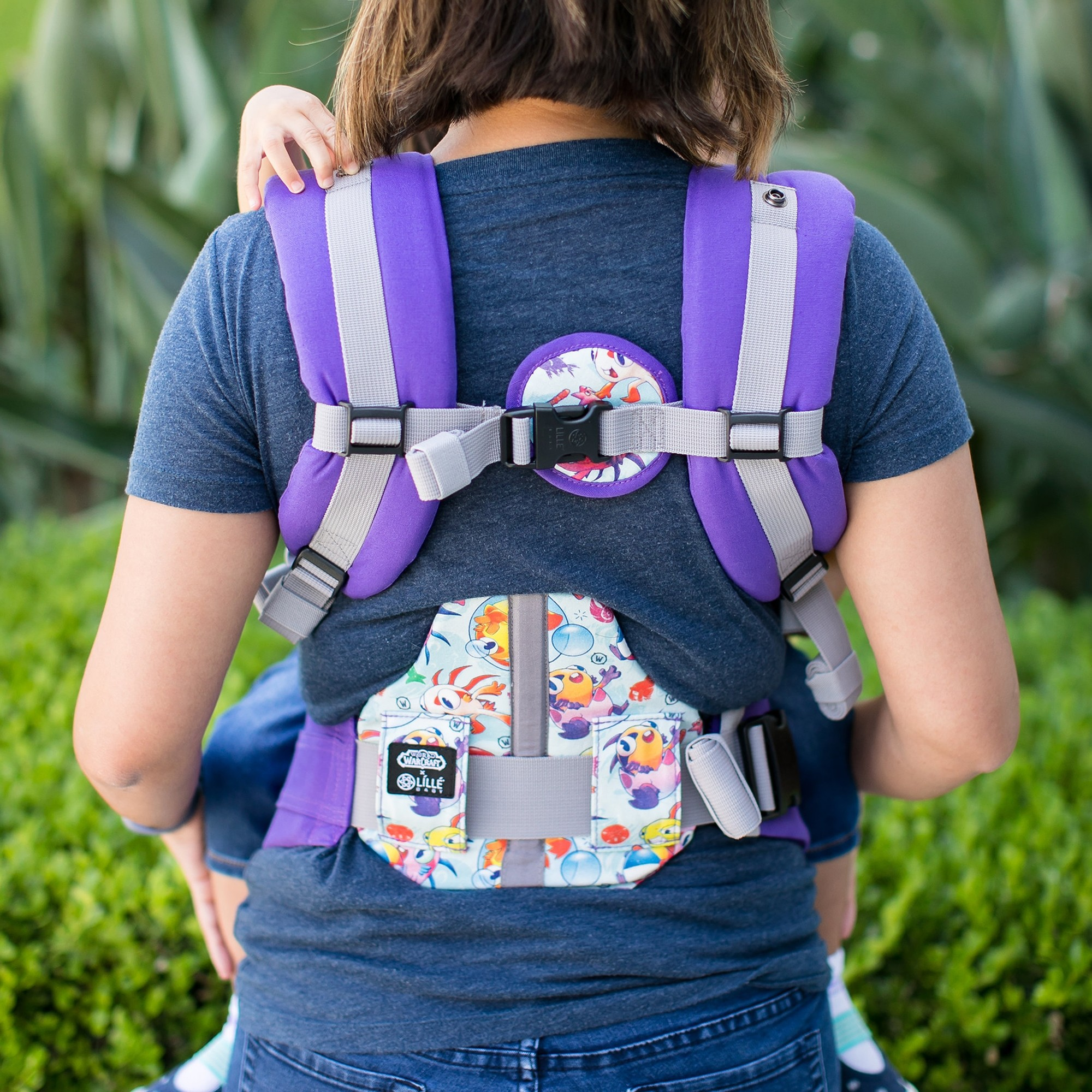 lillebaby-complete-all-seasons-baby-carrier-march-of-murlocs-5