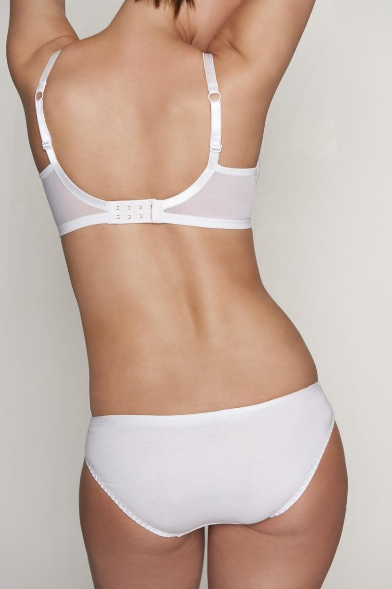 Other bra options include backless bras which have lower back designs, posture bras because they have large backs and no back closures, and front closure bras because, again, there are no irritating back .