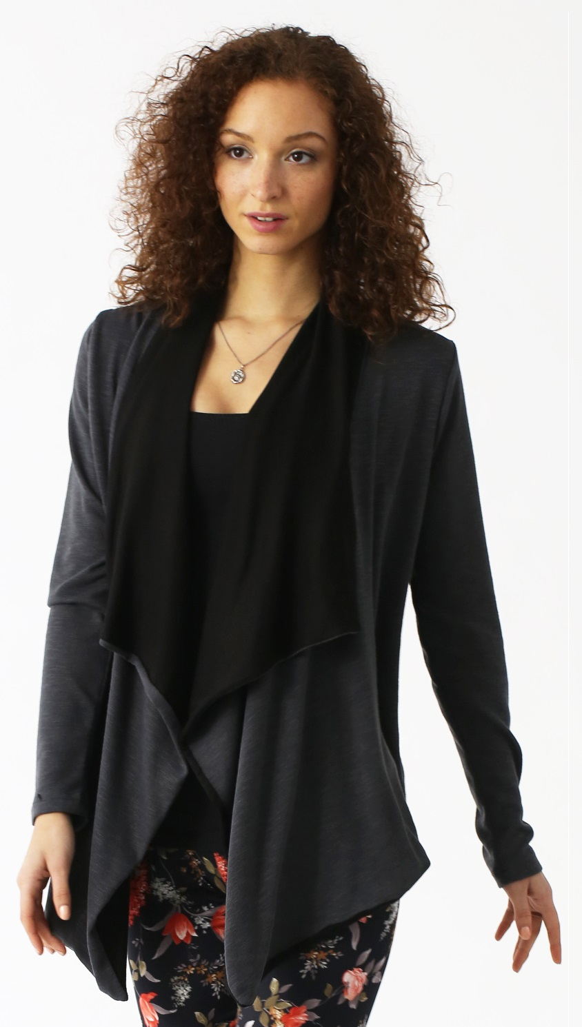 majamas-stola-nursing-maternity-cover-up-charcoal-close.jpg