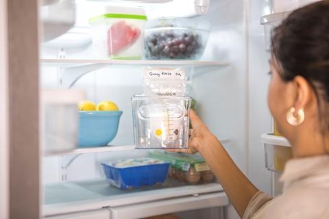 medela-breast-milk-storage-bags-use