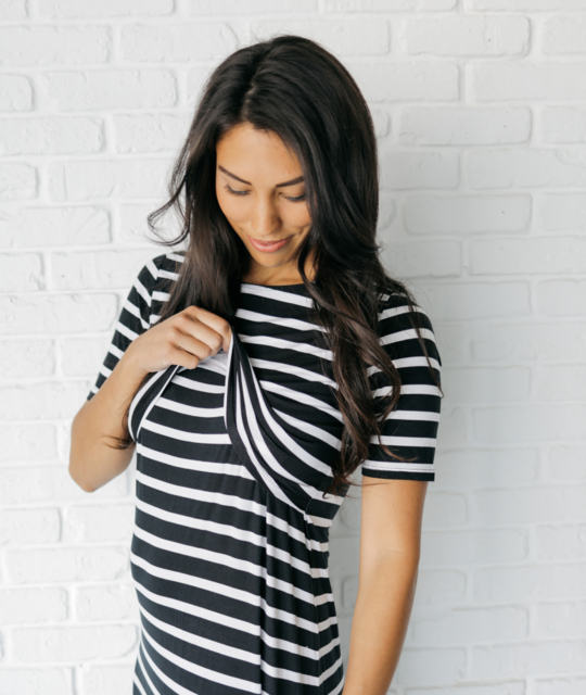 undercover-mama-maxi-nursing-dress-bold-black-white-stripes-opening