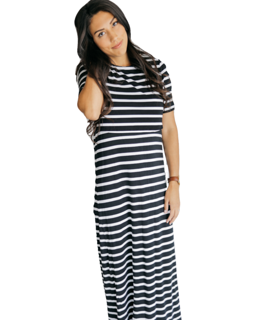 undercover-mama-maxi-nursing-dress-bold-black-white-stripes