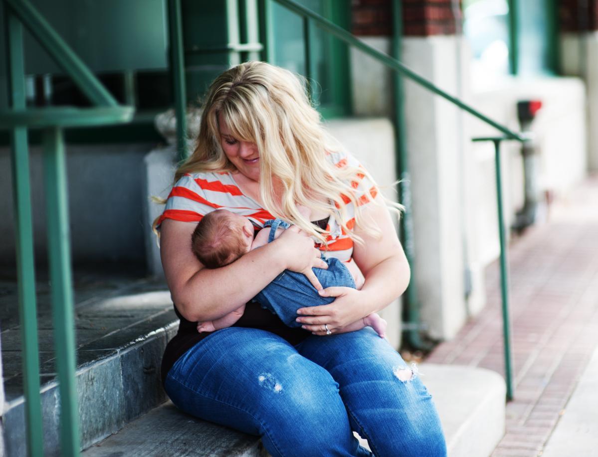 undercover-mama-nursing-tank-use-6.jpg