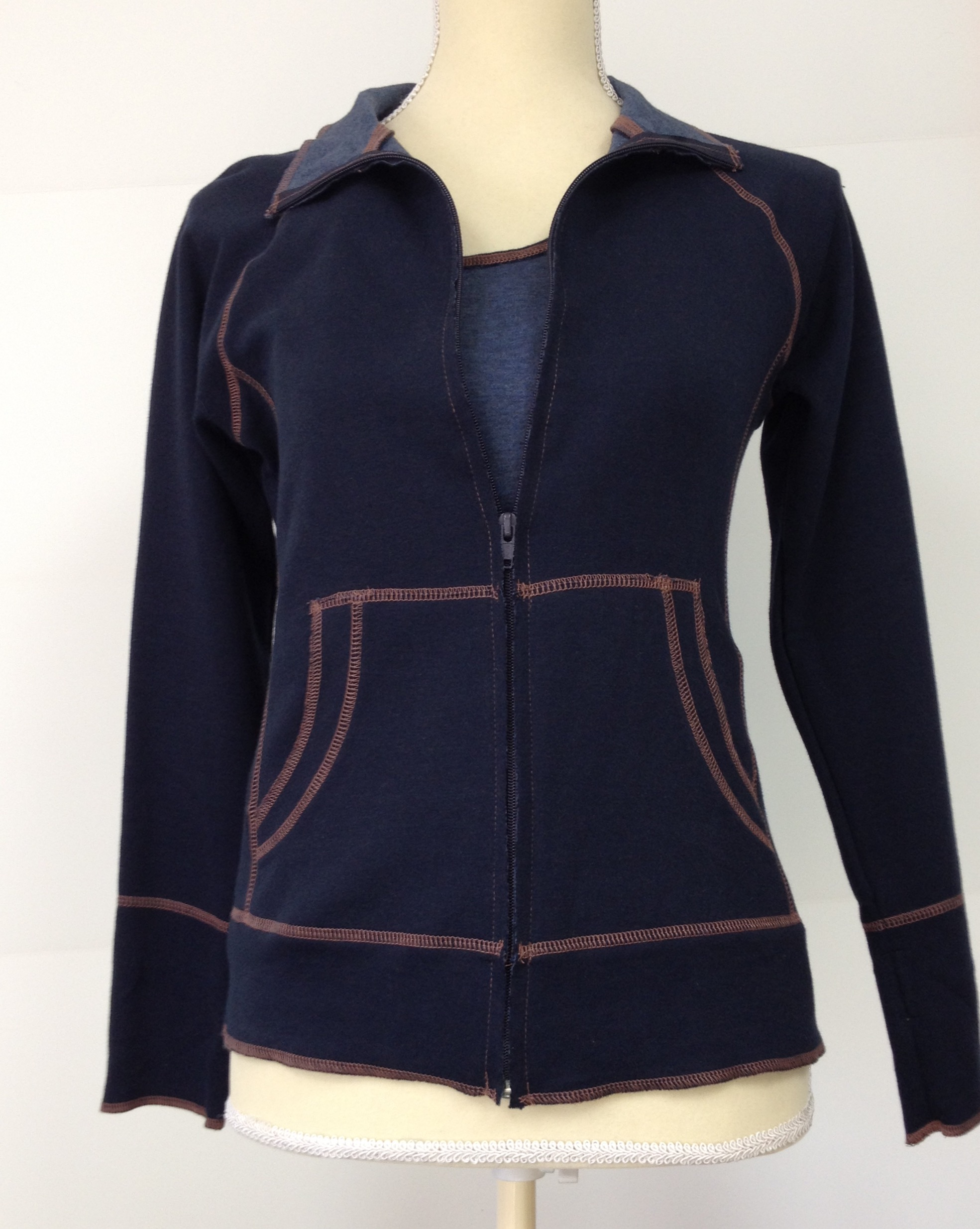 2-tone-nursing-jacket-navy
