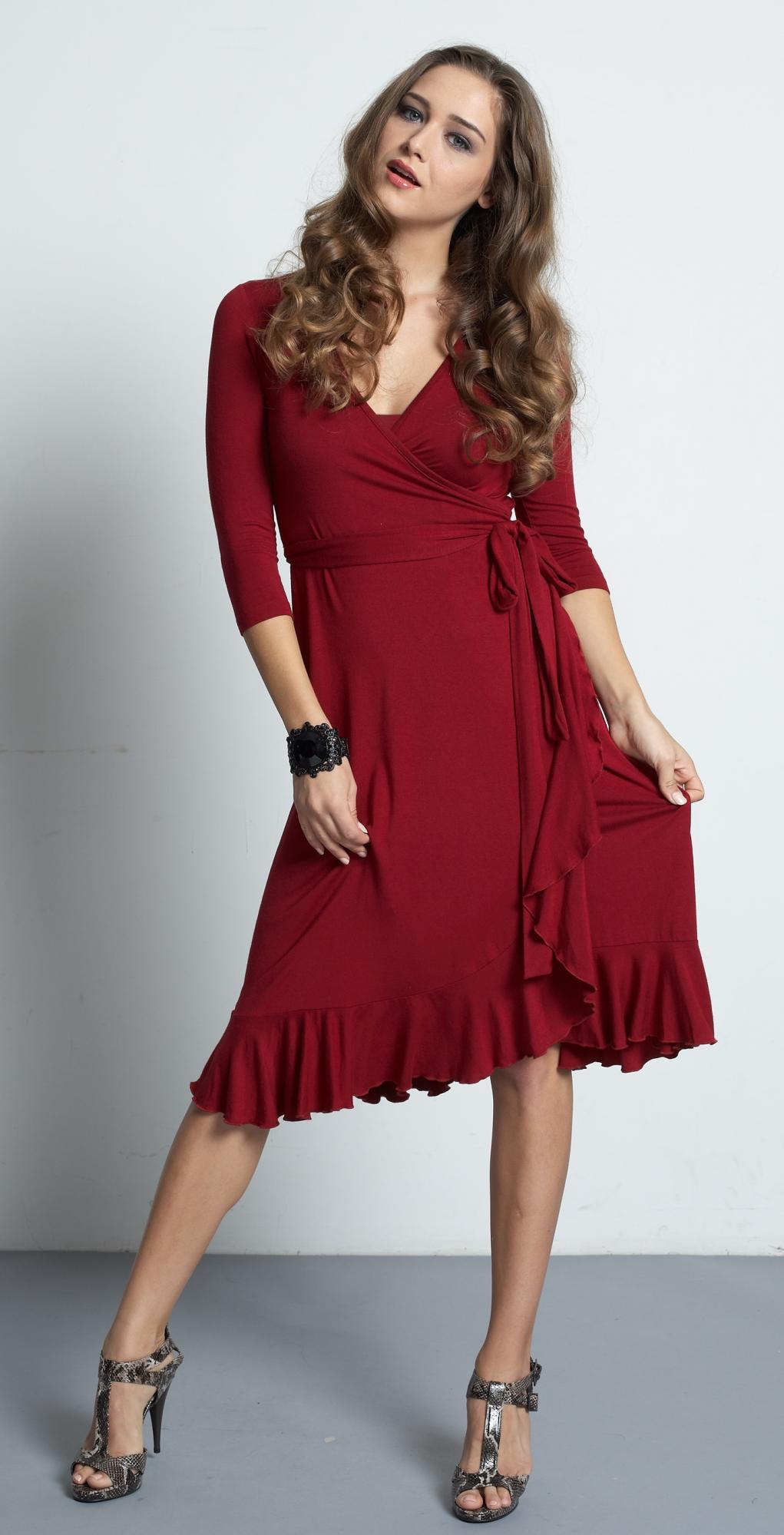 mother-en-vogue-flamenco-nursing-dress-red-3.jpg