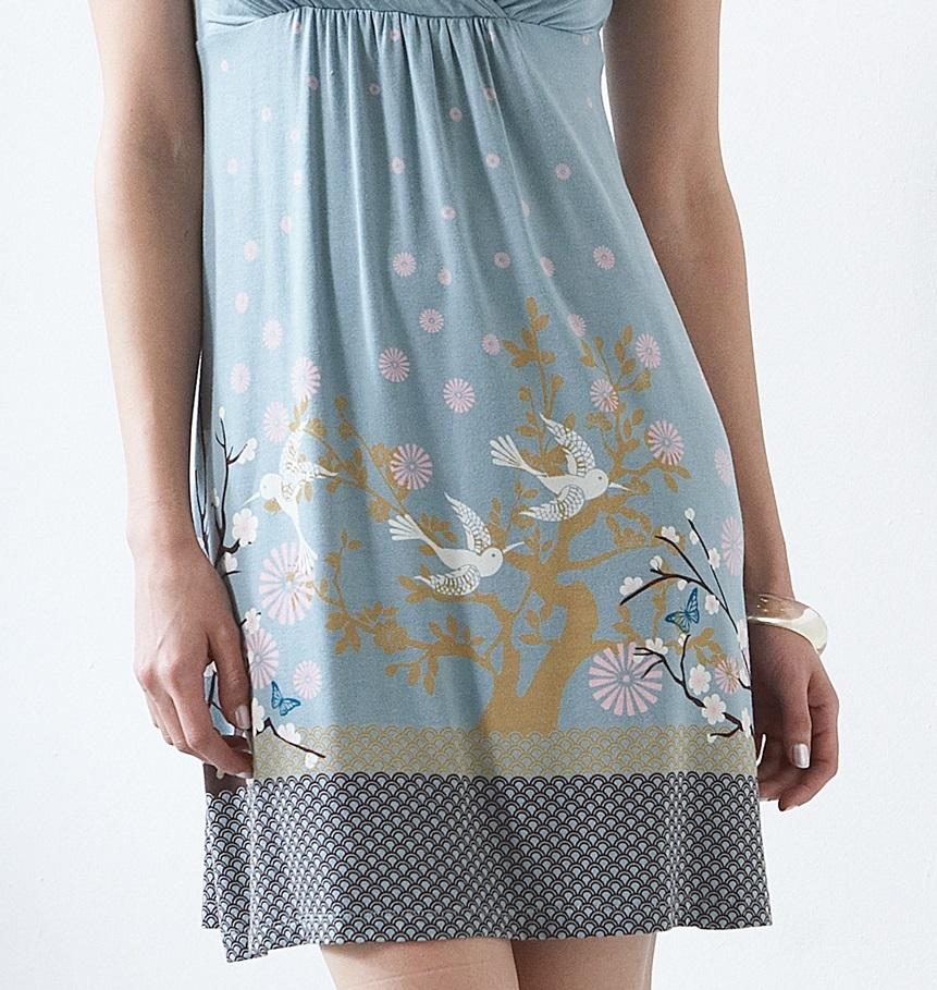 mothers-en-vogue-tara-nursing-dress-15-print.jpg