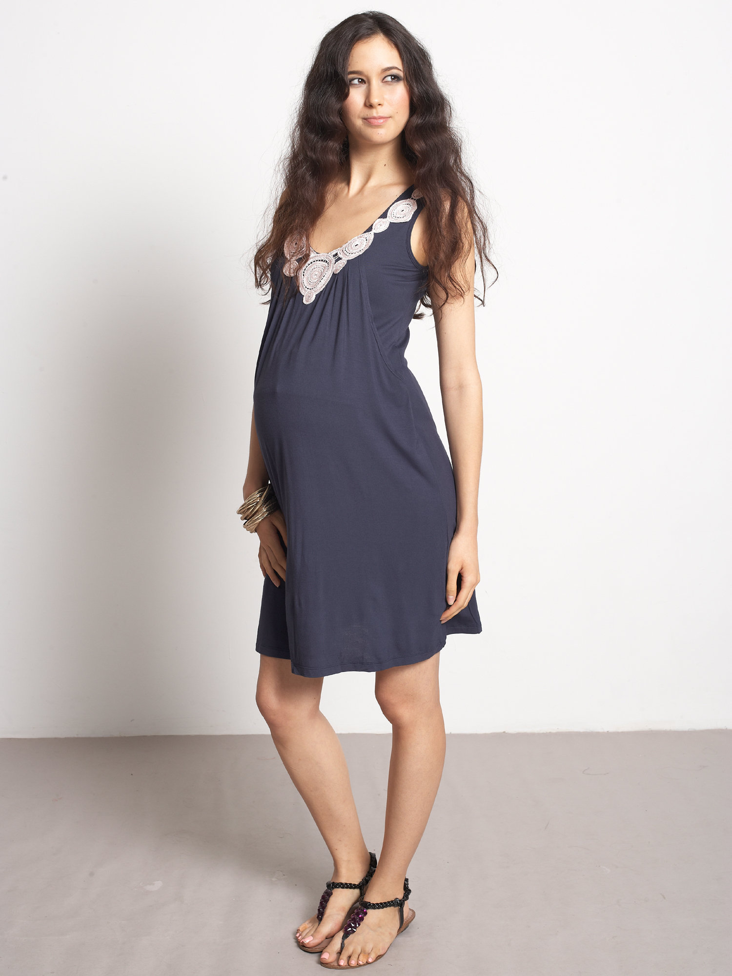 mothers-en-vogue-zahra-nursing-dress-maternity.jpg