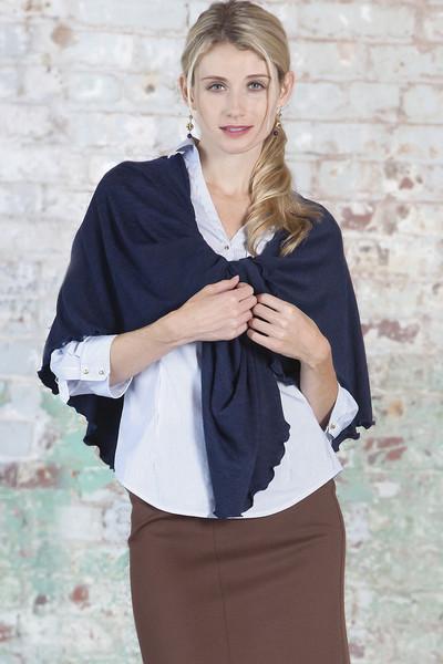 pirose-nursing-scarf-cozy-navy.jpg