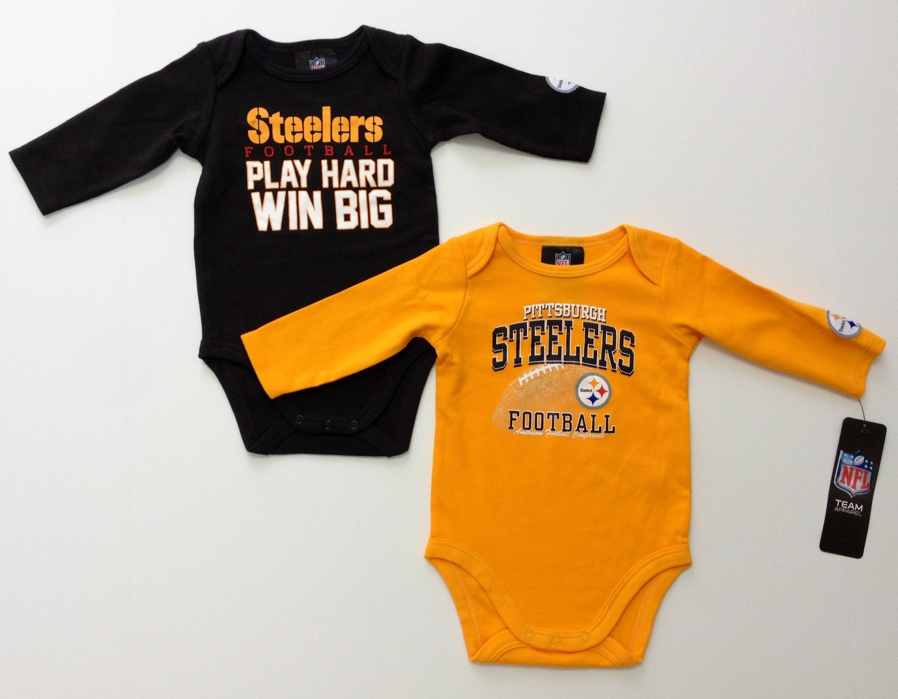 nfl-steelers-infant-black-gold-longsleeve-onesie-2-pack-2j.jpg