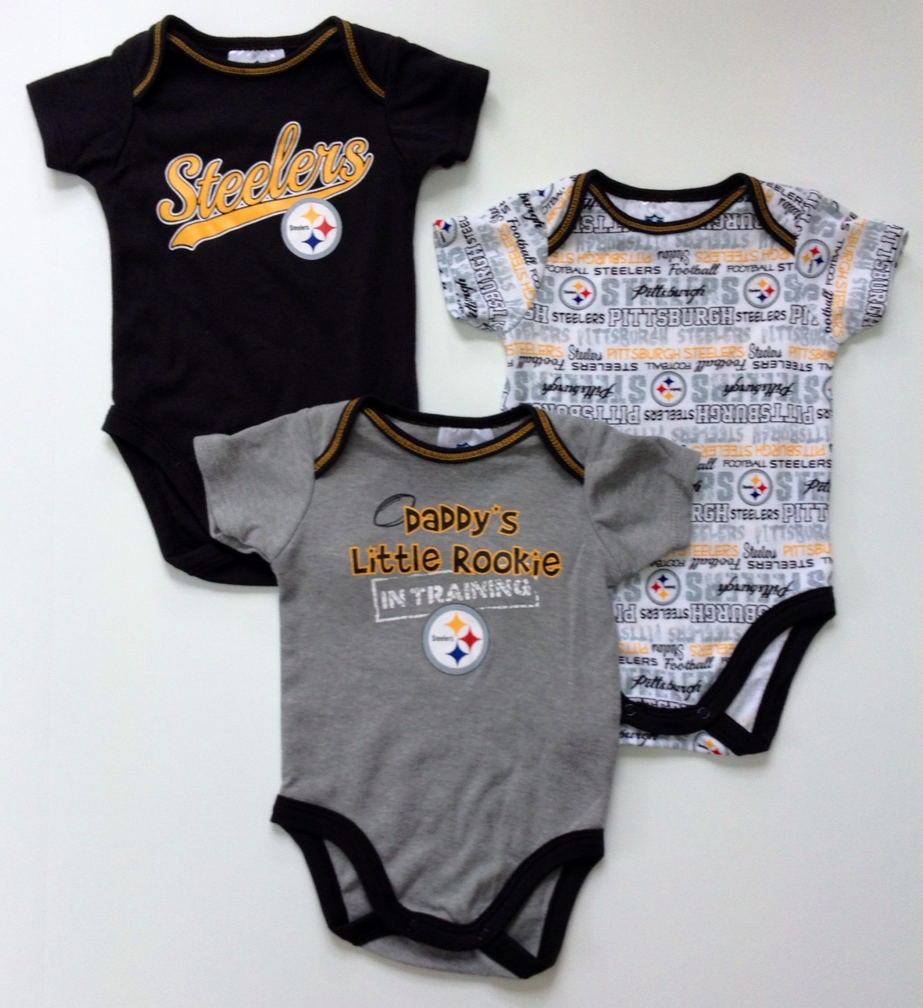 nfl-steelers-infant-onesie-3-pack-4.jpg