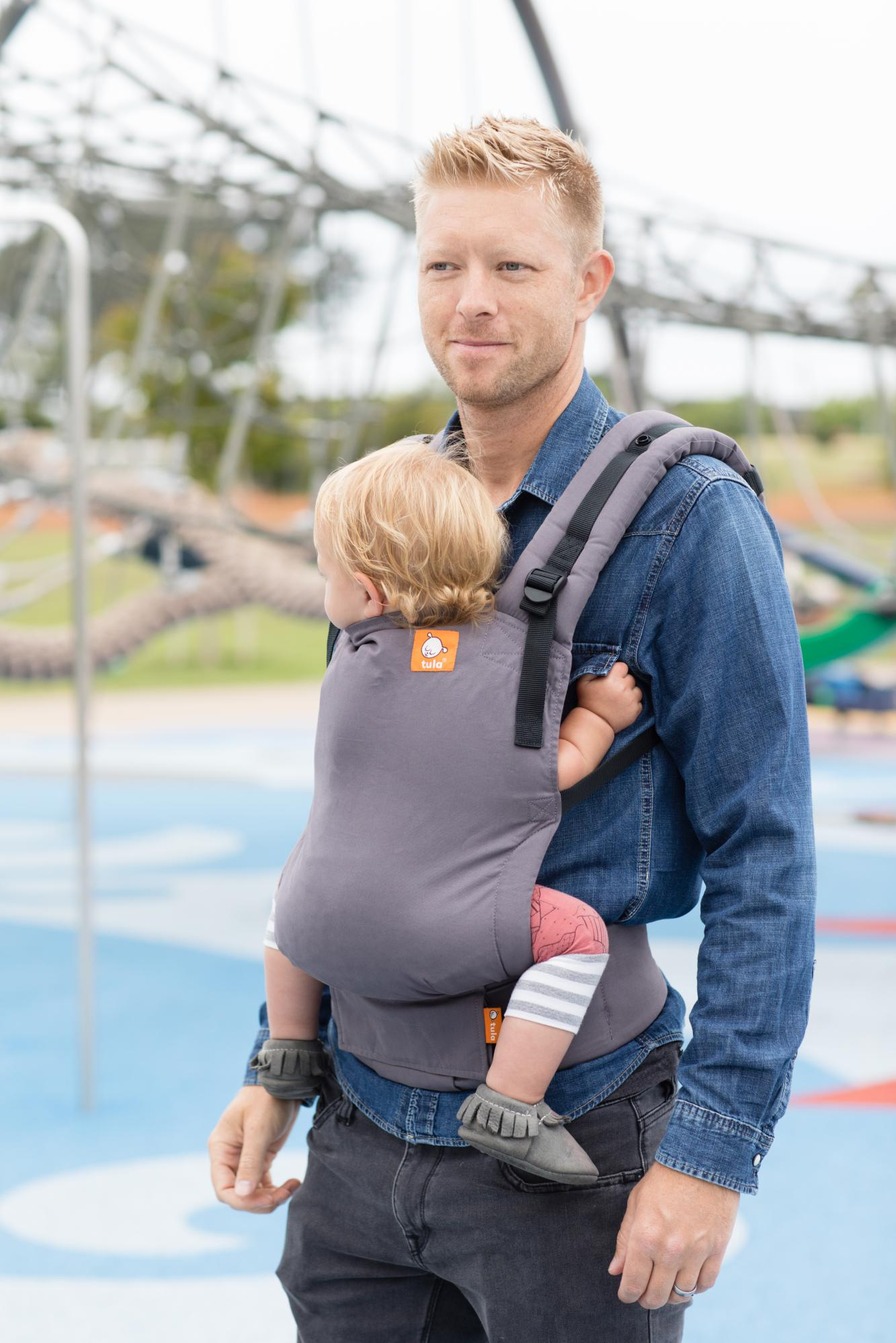 baby-tula-free-to-grow-baby-carrier-stormy-dad.jpg