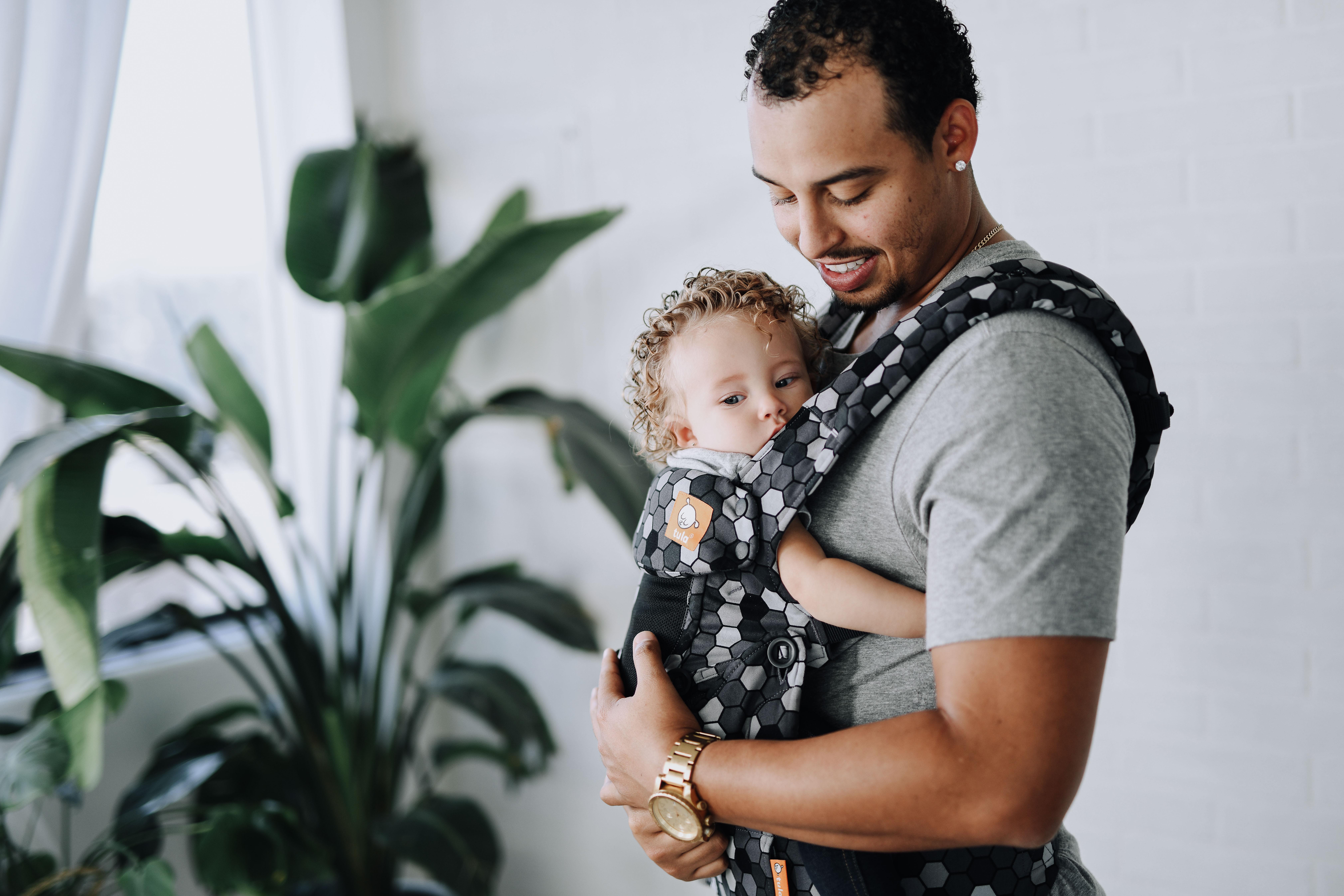 tula-baby-coast-explorer-baby-carrier-buzz-dad
